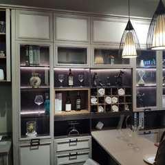 酒柜  多层板加吸塑门 899元每平方